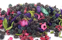 Hand Blended Pot pourri Blackberry & Apple
